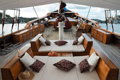 Exquisite open-air lounging cruising among the stars in lavish comfort.